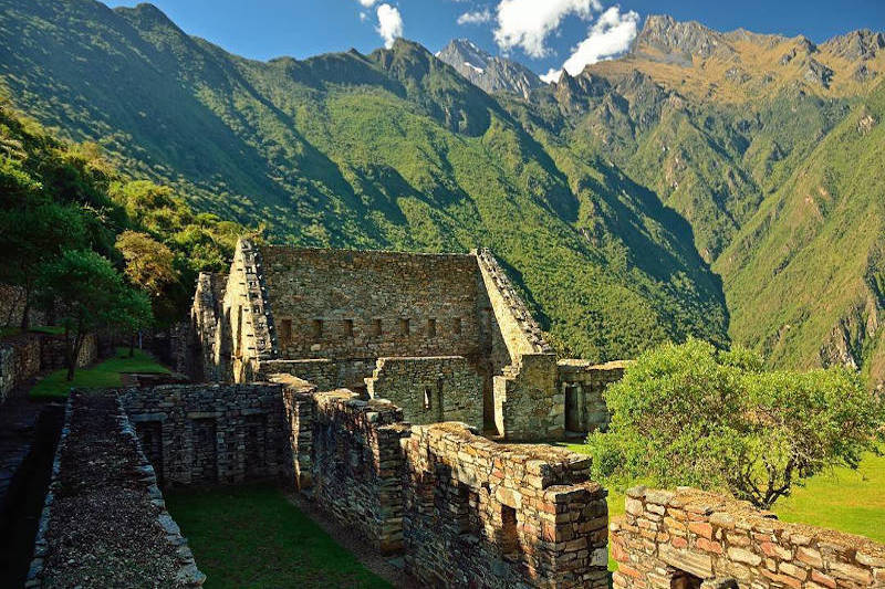 Trek to Choquequirao from Cusco, Choquequirao Vilcabamba trek to Machu Picchu